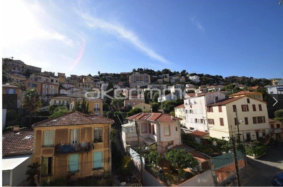 Nica: Stan za najam. stan 3 spavaće sobe prozori sa dvostrukim oknima, vaatwasmachine, namješteno, terasa, istočna orijentacija, južna orijentacija.. Iznajmljuje se u grade Nica, Francuska, Alpes Maritimes 7.3.2020 Cijena nekretnine: 1600 EUR 1707881. Stan u najam.