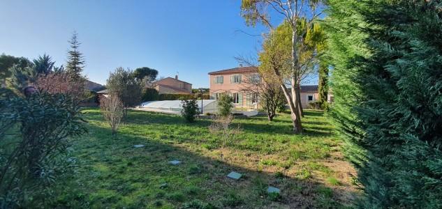 Luxury villa for Sale in Velaux 1707961