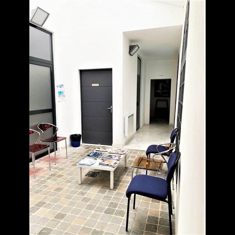 Escritório para arrendar em Toulouse. Escritório 46m² aluguel a longo prazo em Toulouse. Aluguel escritório a longo prazo ar condicionado, França 11.3.2020 850 EUR. Ache aluguel mensal escritório em Toulouse 1707989.