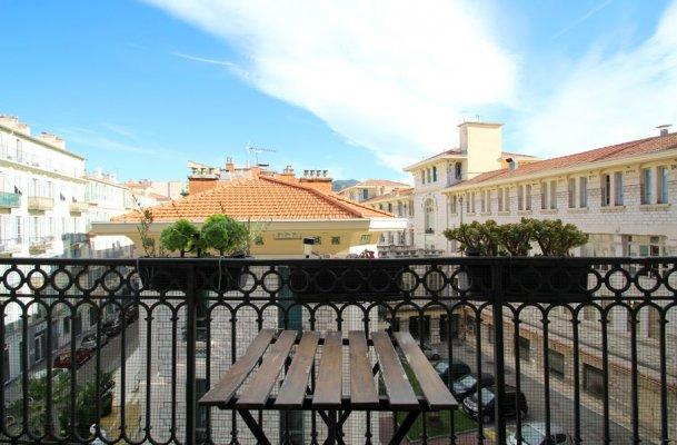 Дългосрочен Наем Апартамент в Ница 1708063