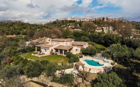 法国蒙托鲁 出售中别墅 240m² 1708120