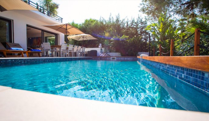 Very well located villa in Juan-les-Pins for long term rental