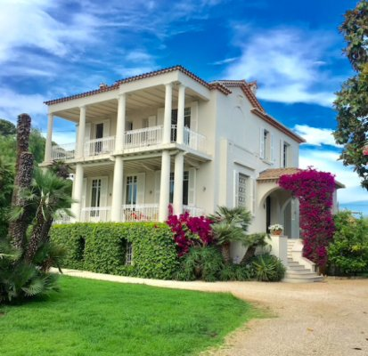 Fabulous villa in Cap D'Antibes for yearly rent