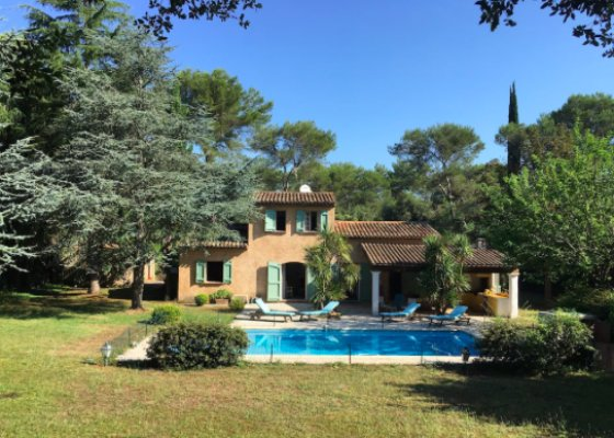 Lovely Provencal style villa in Mougins for rent