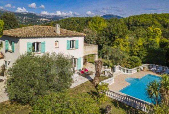 Luxurious provencal villa near Valbonne
