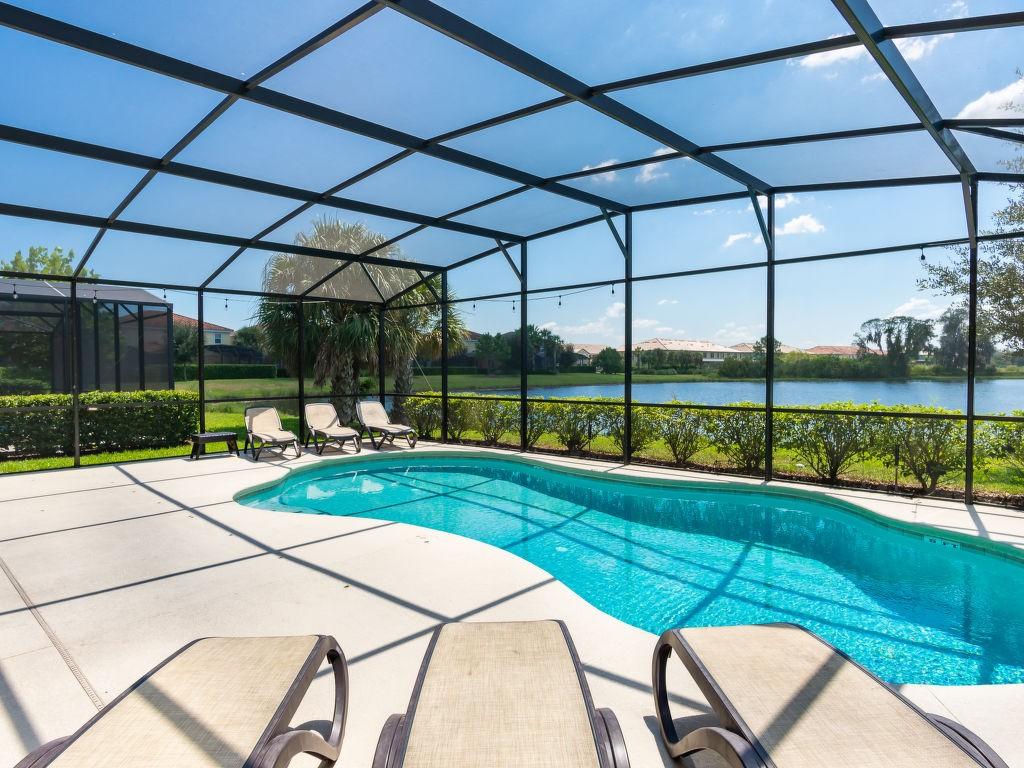 Vakantiewoning huren in Davenport,. Huis onder de zon. Vind de perfecte locatie voor uw vakantie in Davenport - gemeubileerd 300m² zwembad, vaatwasser