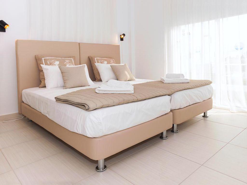 Vakantiewoning huren in Agia Napa,. Huis onder de zon. Vind de perfecte locatie voor uw vakantie in Agia Napa - gemeubileerd 130m² zwembad, parking