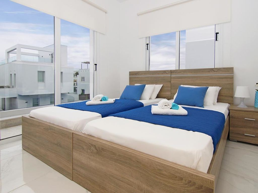 Vakantiewoning huren in Agia Napa,. Huis onder de zon. Vind de perfecte locatie voor uw vakantie in Agia Napa - gemeubileerd 120m² zwembad, vaatwasser, parking