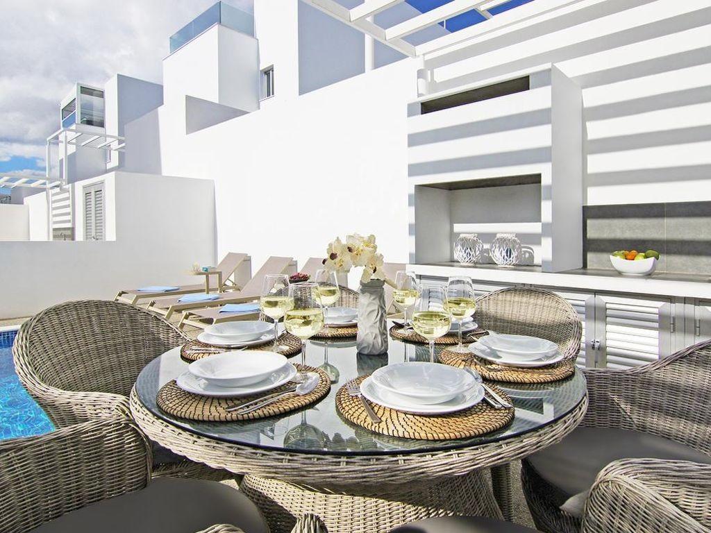 Vakantiewoning huren in Agia Napa,. Huis onder de zon. Vind de perfecte locatie voor uw vakantie in Agia Napa - gemeubileerd 130m² zwembad, vaatwasser, parking
