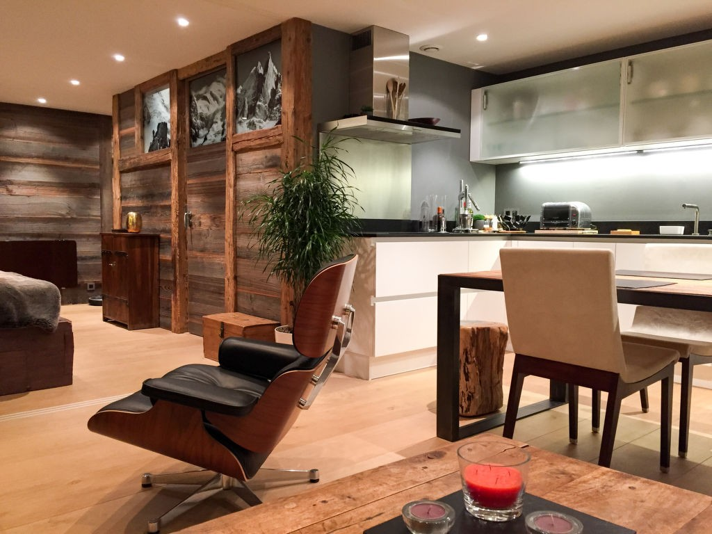 Rent weekly furnished Holiday apartment in Chamonix. Short-term rentals Chamonix, France, Haute-Savoie. Holiday rentals 1 bedroom apartment in Chamonix. Find cheap or luxury Vacation rental apartment in Chamonix. Accommodation in Chamonix. Holiday apartment for rent in the Chamonix area.