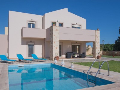 For rent villa in Gouves 1710249