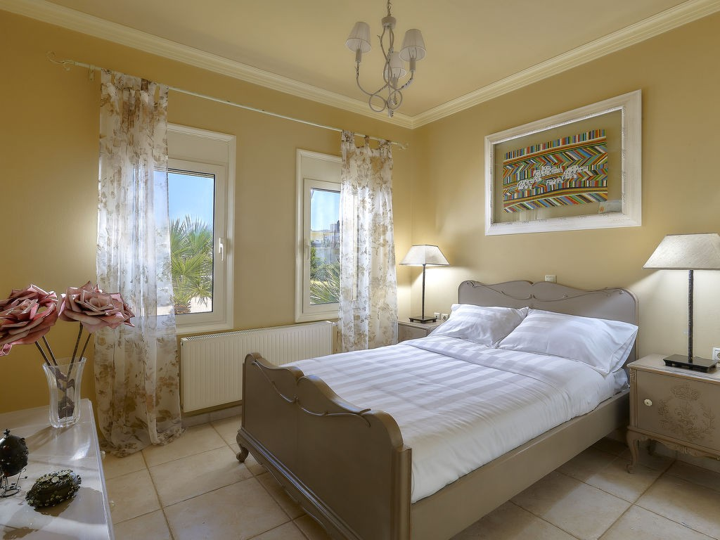 Rent weekly furnished Holiday villa in Gouves. Short-term rentals Gouves, Greece, Crete. Holiday rentals villa in Gouves. Find cheap or luxury Vacation rental villa in Gouves. Accommodation in Gouves. Holiday villa for rent in the Gouves area.