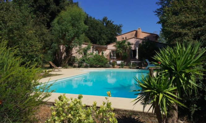 Provencal Mas in Mougins for rent