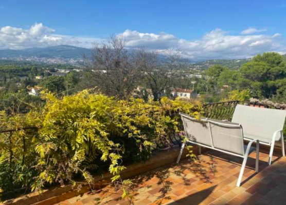 Authentic Provençal house in Mougins for rent