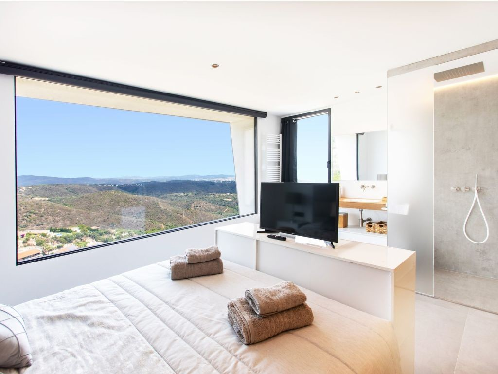 Rent weekly furnished Holiday house in Playa de Aro. Short-term rentals Playa de Aro, Spain, Costa Brava. Holiday rentals house in Playa de Aro. Find cheap or luxury Vacation rental house in Playa de Aro. Accommodation in Playa de Aro. Holiday house for rent in the Playa de Aro area.