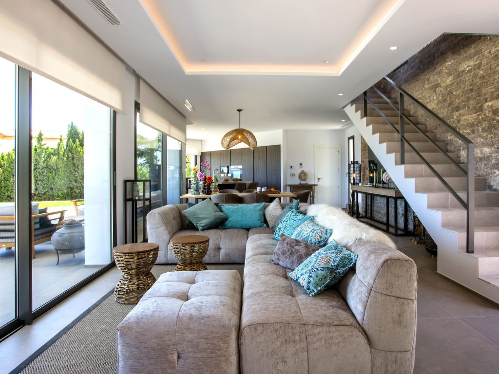 Rent weekly furnished Holiday villa in Jávea. Short-term rentals Jávea, Spain,. Holiday rentals villa in Jávea. Find cheap or luxury Vacation rental villa in Jávea. Accommodation in Jávea. Holiday villa for rent in the Jávea area.