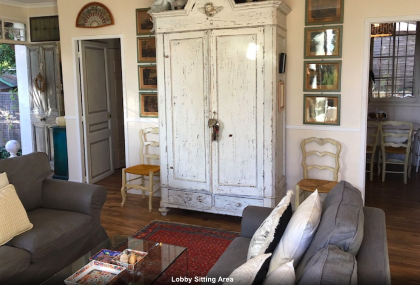 Villa with pool in Mougins long term rent furnished