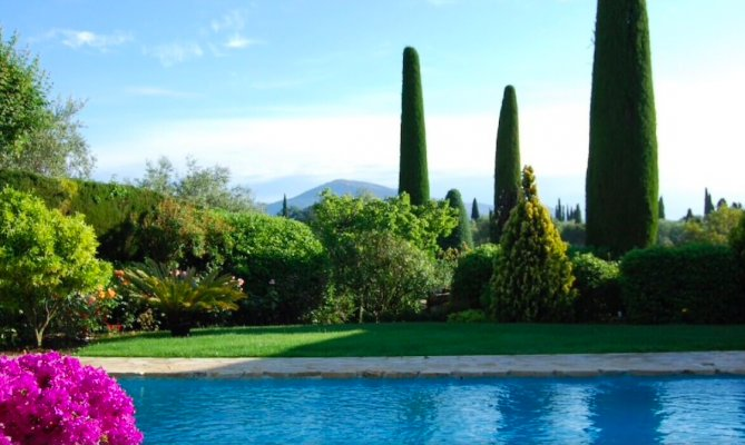Very comfortable 5 bedroom villa for long term rent in Valbonne, France