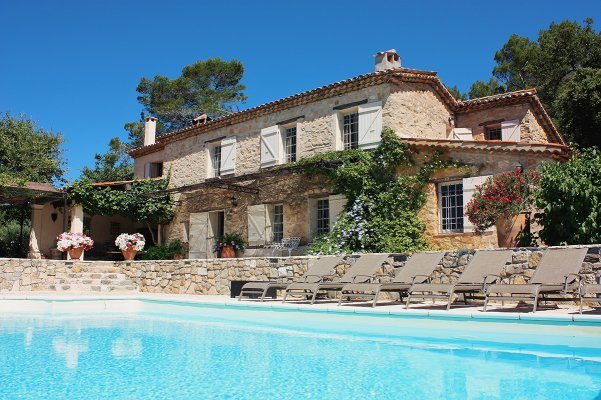 Exceptionally restored 18th century stone bastide for rent in Grasse