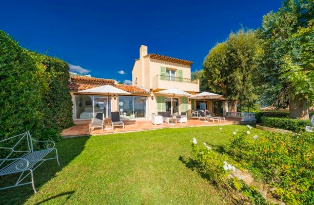 Luxury villa with a magnificent sea view for long term rent in Vallauris, France