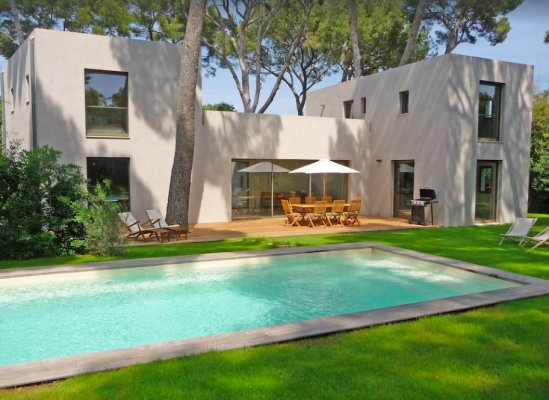 Contemporary villa for long term rent in Antibes, France