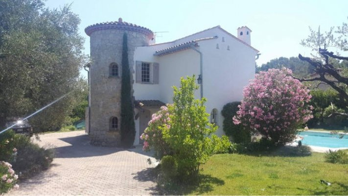 Cosy 4 bedroom villa with pool in Valbonne for long term rent