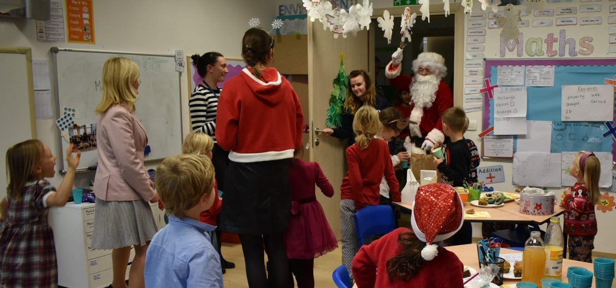 Primary Santa 4