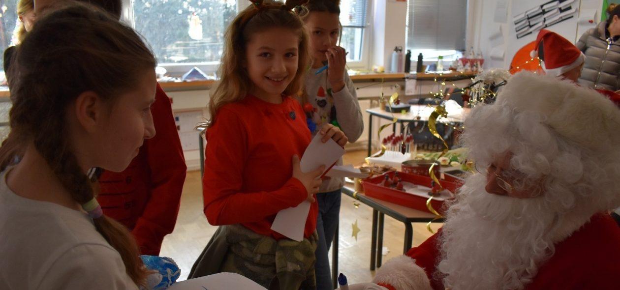 Primary Santa 6