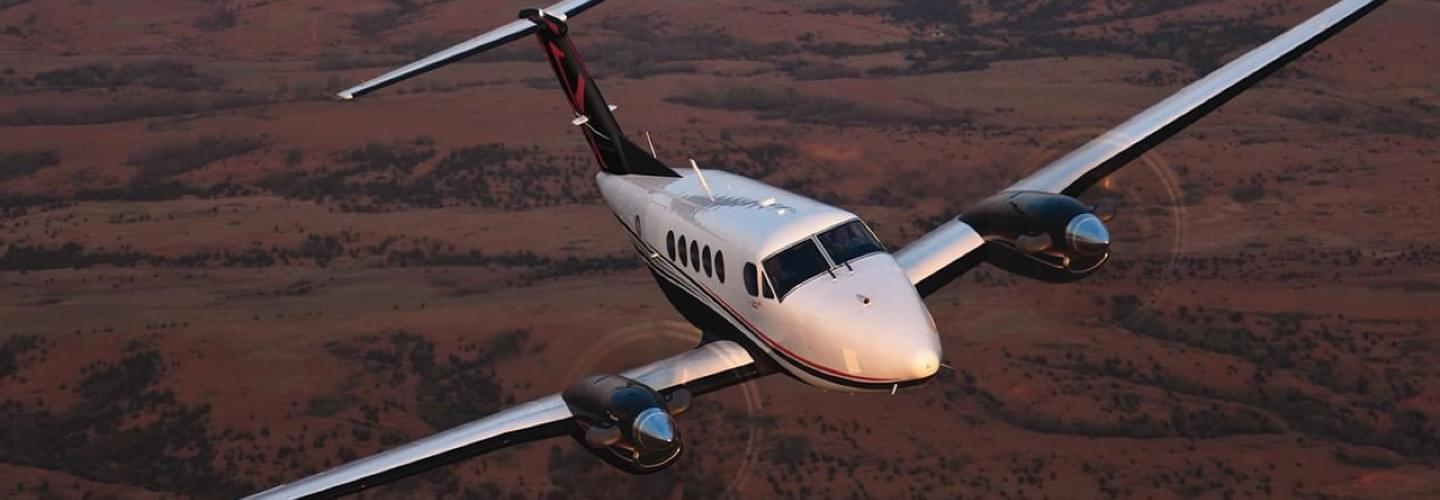 Turboprop Beechcraft King Air 200 to charter with Lunajets perfect for short-haul flights, ideal for small and isolated airfields