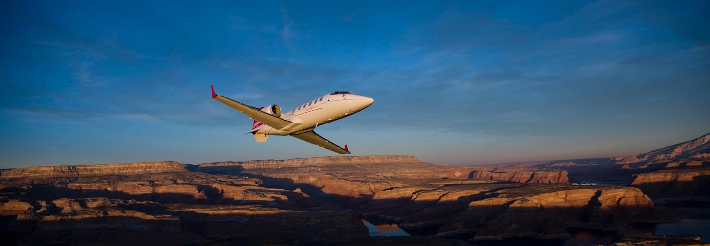 Midsize Jet Bombardier Learjet 60XR to charter for private air travel with Lunajets, medium-haul trip,comfort and technology, direct route