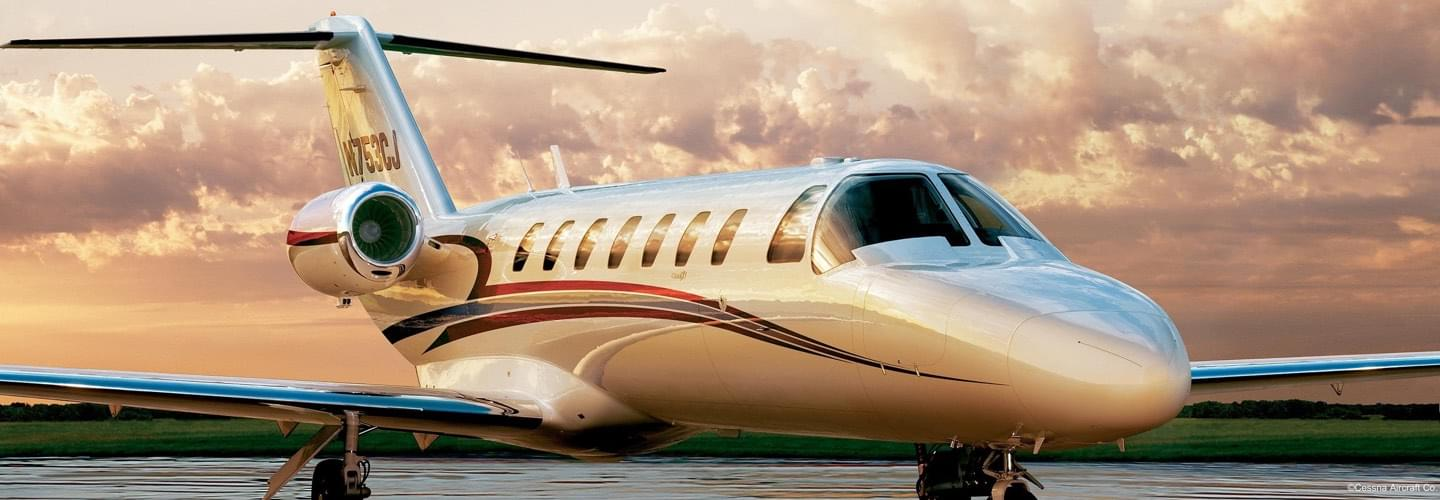 Light Jet Cessna Citation CJ3 to charter for a private flight with LunaJets, best of the best award, reliability, comfort, performance, short haul