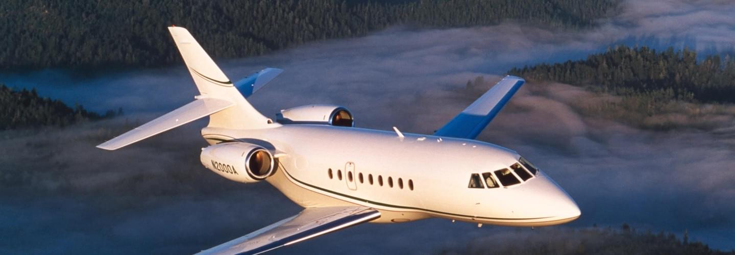 Large Business Jet Dassault Falcon 2000 to charter for private aviation intercontinental flights with LunaJets, impressive maximum speed