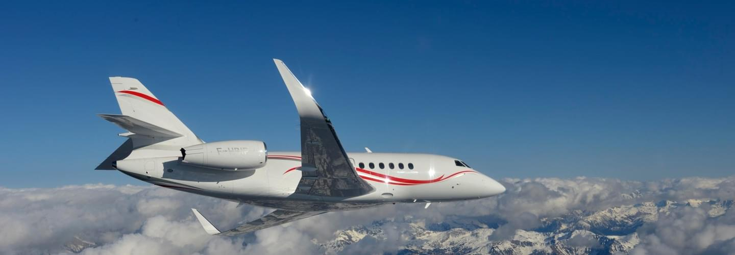 Large Business Jet Dassault Falcon 2000LX to charter for private aviation flights with LunaJets for  increased performance, efficiency, comfort