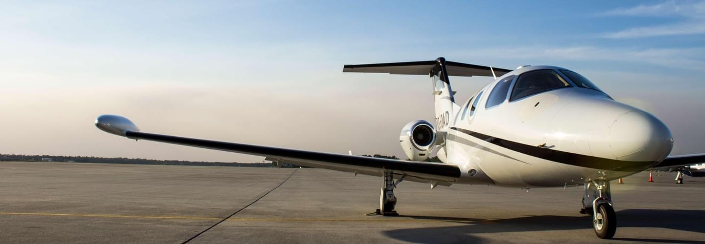 Very Light Jet Eclipse Aviation Eclipse 550 to charter for private aviation flights with LunaJets, value for money, comfort and performance