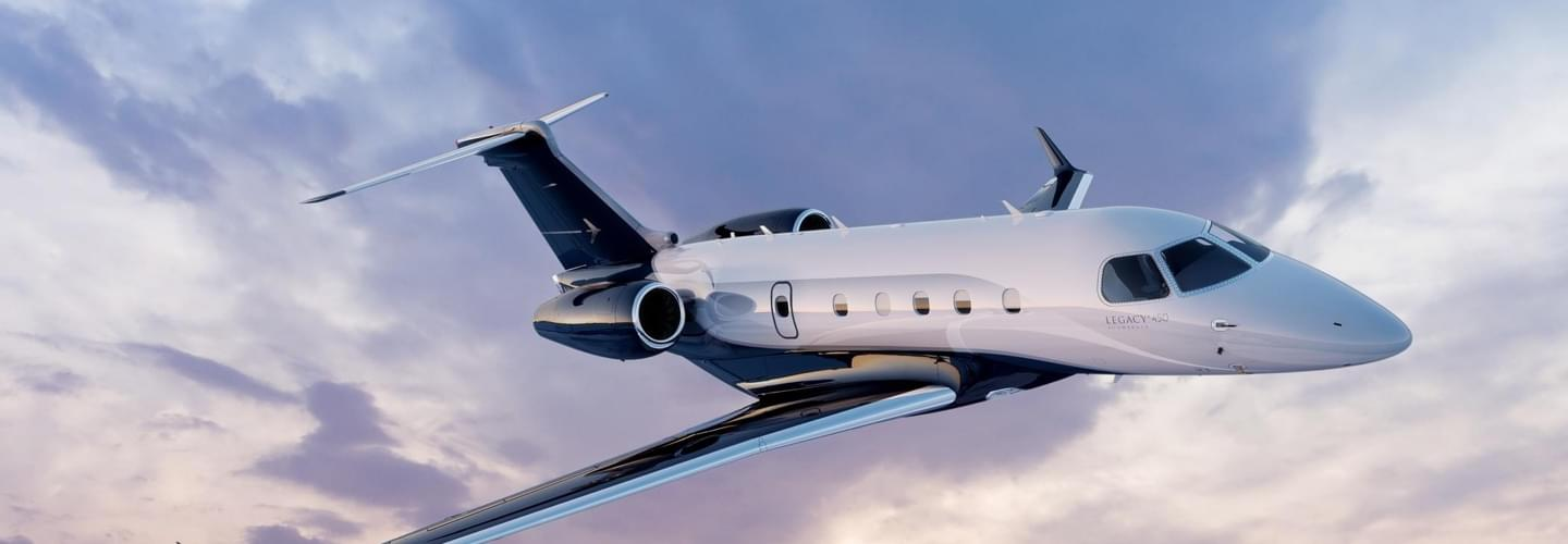 Super Light Jet Embraer Legacy 450 to charter for private flights with LunaJets, Brazilian manufacturer, increased performance and reliability