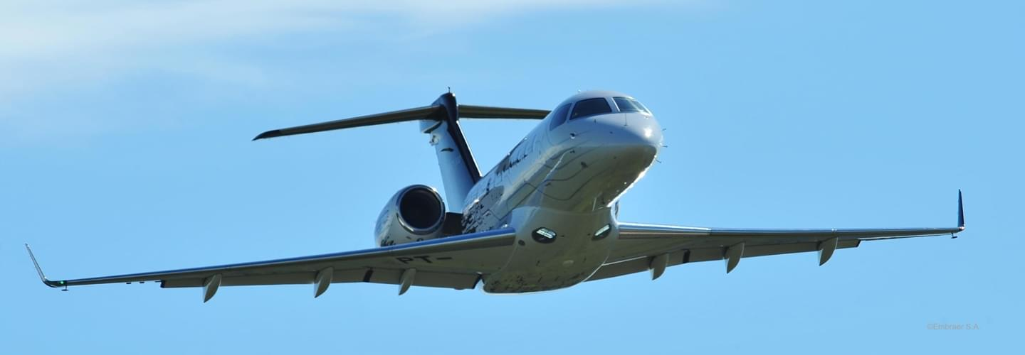 Midsize Jet Embraer Legacy 500 to charter for private flights with LunaJets, improved comfort and efficiency, space, Brazilian manufacturer