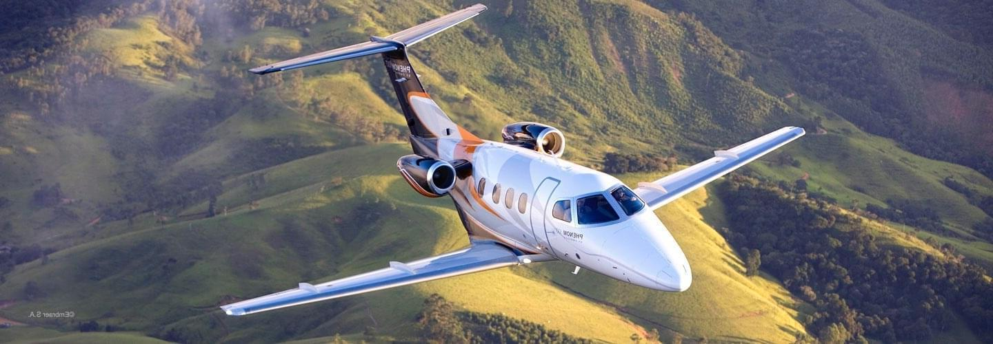 Very Light Jet Embraer Phenom 100 to charter for private aviation with LunaJets for intra-European short-haul flights or weekend getaways