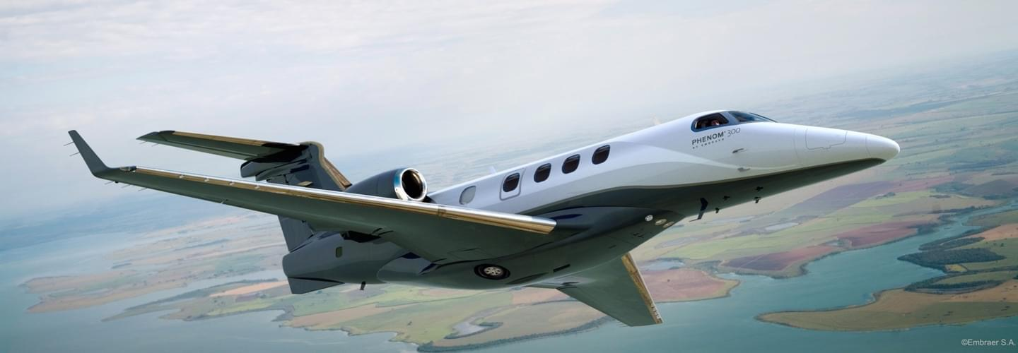 Light Jet Embraer Phenom 300 to charter for private aviation with LunaJets, comfortable interior, extremely competitive prices, fuel efficiency