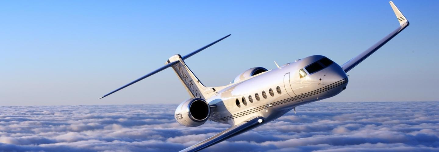 Long Range Business Jet Gulfstream G550 to charter for private aviation flights with LunaJets  for unparalleled performance and efficiency