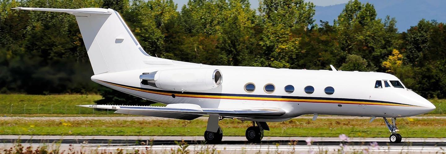 Large Business Jet Gulfstream GIII to charter for private aviation flights with LunaJets for largely improved performance, exceptional reliability