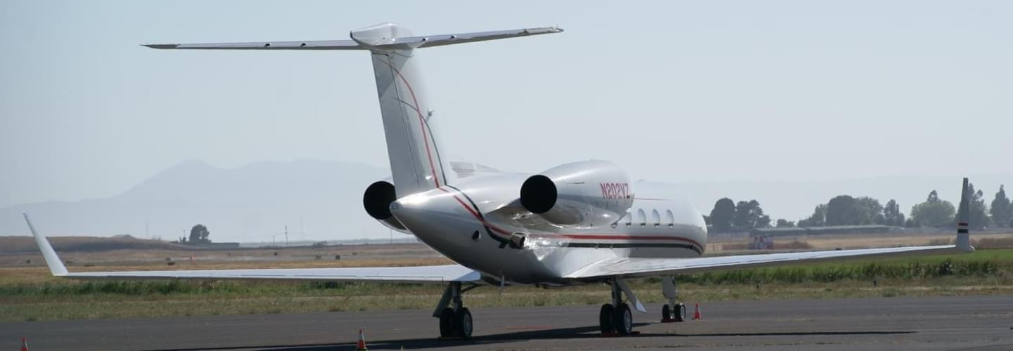 Gulfstream GIV available for charter with LunaJets