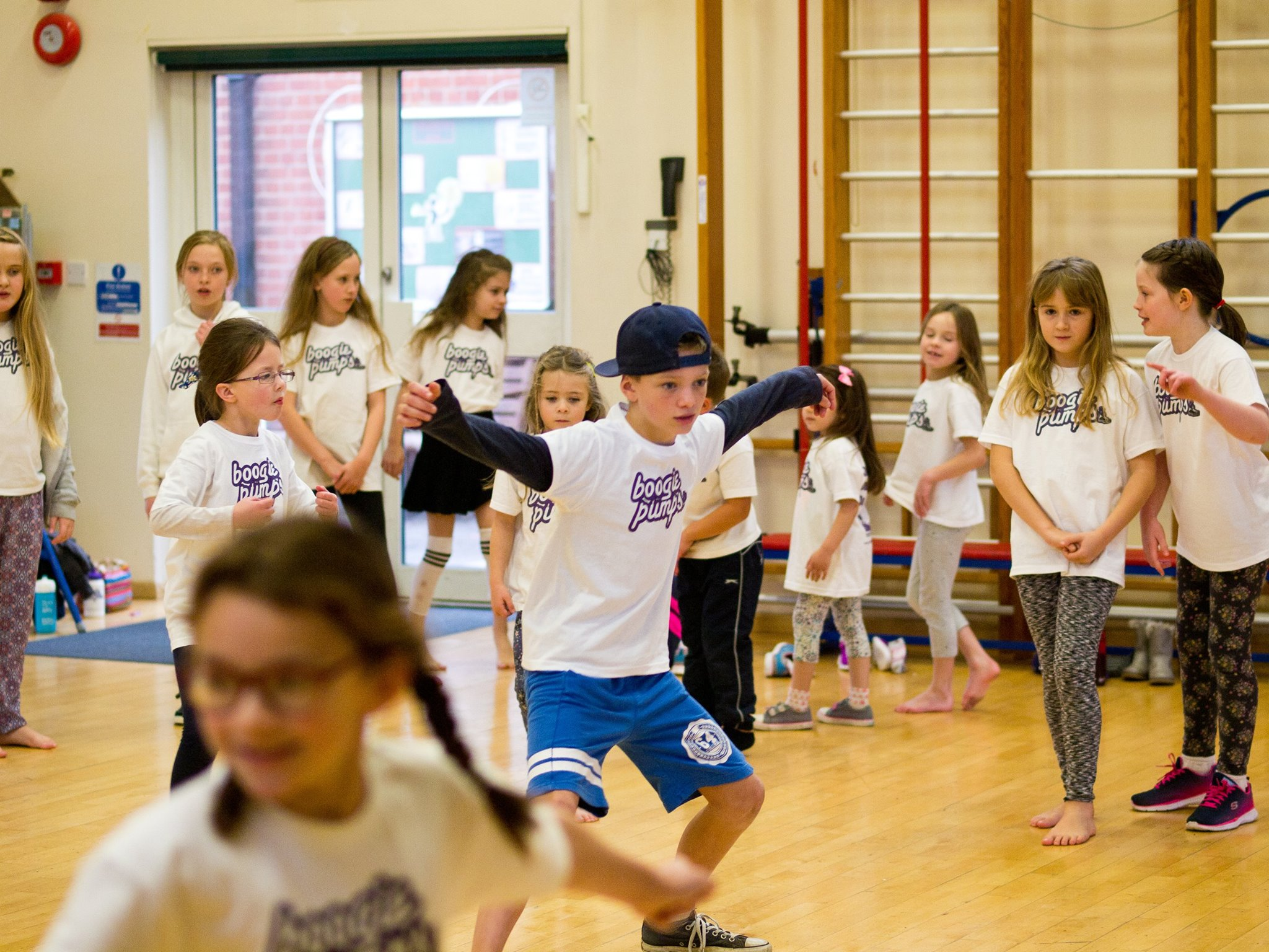 Boys and girls enjoying a boogie pumps Fleet street dance class