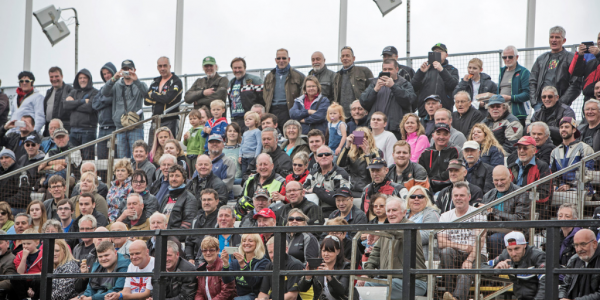 Isle of Man TT, Grandstand