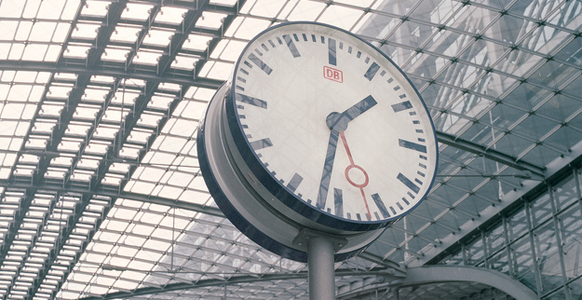 changing train clock