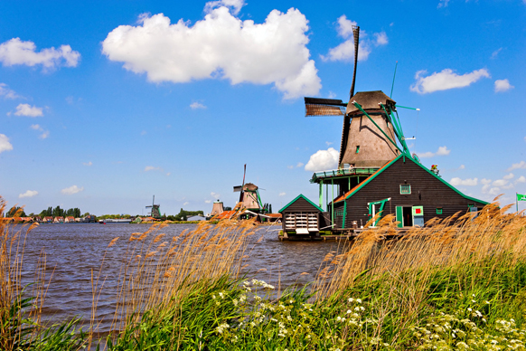 zaanse schans - day trips from amsterdam by train