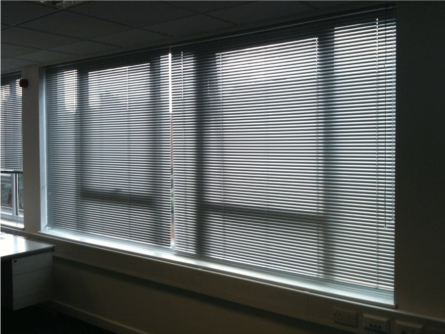 Superbe Office Venetian Blinds