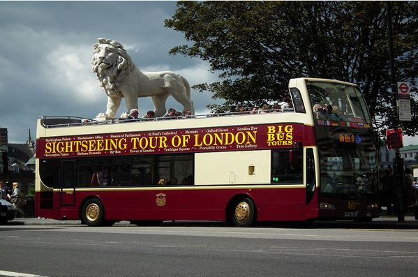 london tourist buses