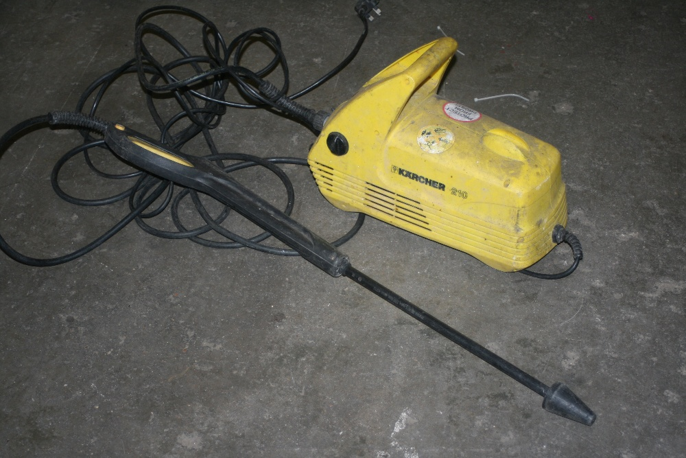 Karcher 210 Pressure Washer  This is a Non Vatable Lot