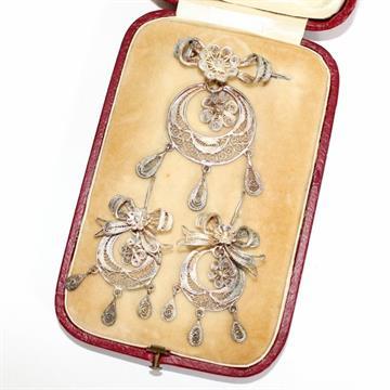 Schmuckset um 1900, Si/Silberdraht 1 Paar Ohrringe, 1 Brosche ...