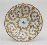 Prunkschale, Meissen, Pfeifferzeit, 1924-1934  runde Schale mit reich vergoldetem Rocaillendekor und